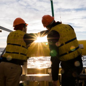 Adjusting an autonomous underwater vehicle at sunrise
